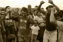 08-gypsy-men-dancing-5