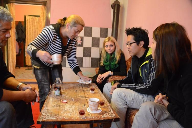 09-gypsy-village-transylvania-village-hotel