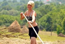 09july-romania-hay-making-breb