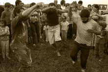 12-gypsy-men-dancing-4