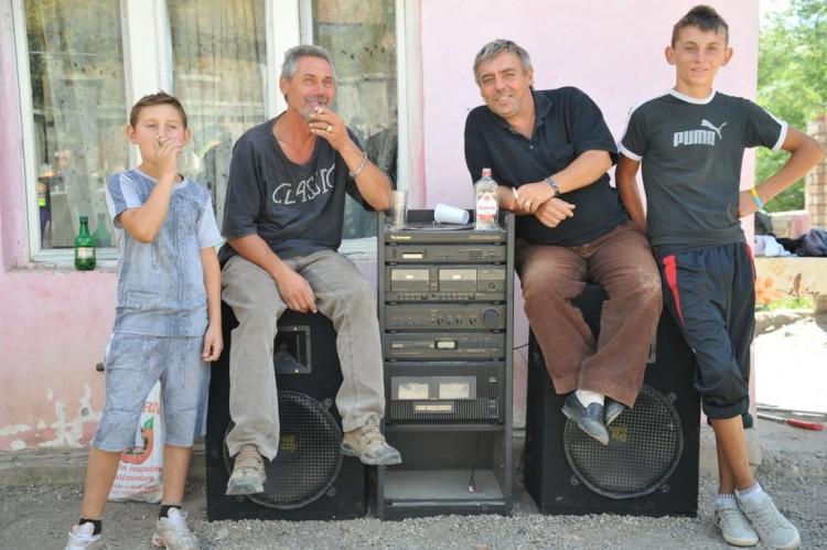 28-42-gypsy-tour-romania