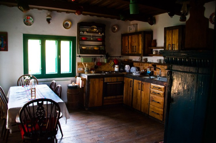 family-room-village-hotel-maramures-17