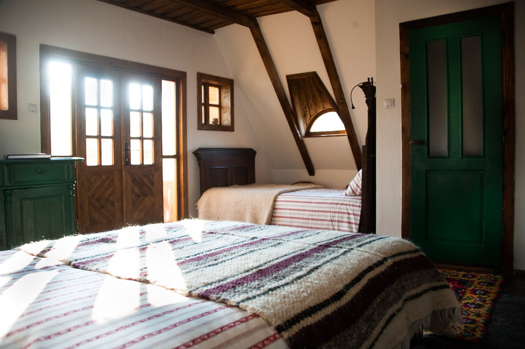 family-room-village-hotel-maramures-3